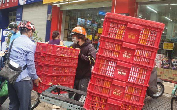 Cửa hàng Vinmart+ tại quận Bình Thạnh tăng lượng nhập hàng để phục vụ người dân - Ảnh: NG.TRÍ
